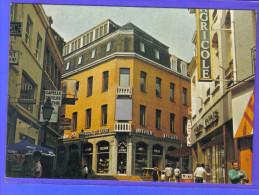 Carte Postale 59. Roubaix  Banque Crédit Agricole  Maison De Livre  Rue Du Vieil Abreuvoir Trés Beau Plan - Roubaix