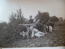 Photo Militairia Guerre Européenne Zouaves Pointant Une Mitrailleuse  . Photo M.Rol 18 X 13cm - Guerra, Militares