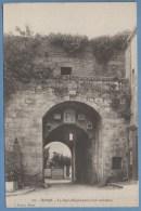 CPA  Dinan La Porte Saint Louis (côté Intérieur) état Neuve - Dinan