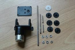 Modélisme - Moteur électrique - Motoréducteur 1.5 - 4.5V - Modulable (Voir Scans) - Autres Collections