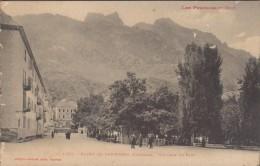 Bains De PANTICOSA-Un Coin Du Parc  Animé  (léger Pelurage) - Huesca