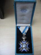 Joli Ancienne Médaille Serbie Ordre Saint Sava - Unclassified