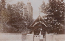 BARNES CHURCH - London Suburbs