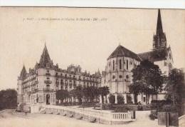 64 - PAU - L'Hôtel Gassion Et L'Eglise Saint-Martin - Pau