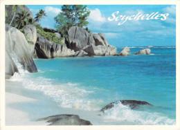 Afrique SEYCHELLES LA DIGUE Anse Aux Cèdres  (Timbre Stamp SEYCHELLES SUNBIRD) - Seychelles