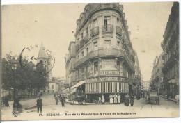 BEZIERS - Rue De La Republique & Place De La Madeleine - Beziers
