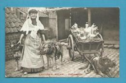 CPA Métier Marchande De Lait Laitière Belge - Préparatifs - Voiture à Chiens BELGIQUE - Other