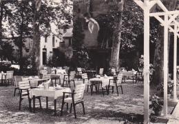 24415 Deux Cpsm -RABASTENS -HOSTELLERIE DU PRE VERT-UNE SALLE A MANGER- Terrasse Restaurant Ete- Ed Basuyau