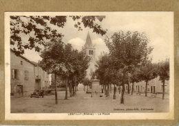 Lentilly (Rhône)    La Place. - France