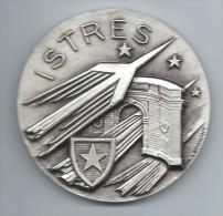 Médaille Communale /Ville D'Istres/Bouches Du Rhône/Education//1974    MED24 - Professionnels / De Société