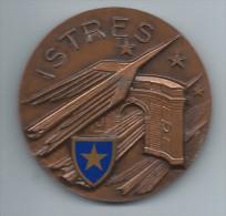 Médaille Communale /Ville D´Istres/Bouches Du Rhône/Jouteurs Champions/Bronze//1966    MED26 - Professionnels / De Société