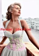 Reproduction D'une Photographie De La Sublime Sophia Loren En Très Belle Robe - Reproductions