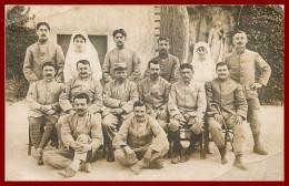 Carte Photo  , Théme Militaire ,  Soldats Poilus à Identifier Hopital   ( Scan Recto Et Verso ) - Guerre, Militaire