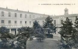 La Rochelle - Le Lycée, Cour D´honneur - La Rochelle
