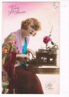 32301 Femme Avec La Machine à écrire - Woman With Typewriter - Vrouw Met Typemachine - Frauen