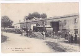 BERNEUIL  - Le Battage Du Blé . Carte Très Rare. - France