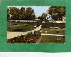 Oissel Le Jardin  Public - France