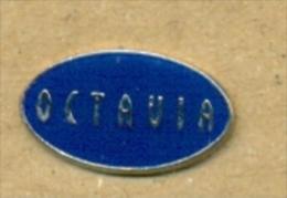 13-aut173. Pin Octavia - Transportes