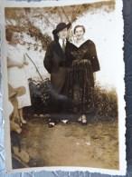 56 ETEL COUPLE  EN COSTUME  MARIAGE 2 SEPTEMBRE 1935   6  PAR 8.7 CM - Places