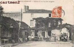 SAINTE-HERMINE INTERIEUR DE LA COUR DES VOYAGEURS TRES ANIMEE 85 VENDEE - France