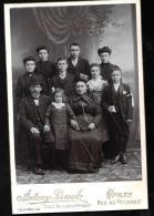 ensemble de 9 photos ( 8 cpa photos) sur la famille Sinave d'Ypres ( belgique ) r�fugi�e � Poitiers en 1914/18 - lot75