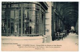 CPA CHAMBERY (73): Grand Café Du Centre Et Des Sports - Angle De La Place St Léger Et Des Portiques - Léon Burdin Propri - Chambery