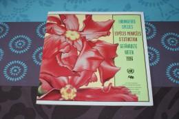 Album WWF Espèces Menacées D´extinction 1996 - 32 Pages Avec 12 Timbres Neufs - W.W.F.