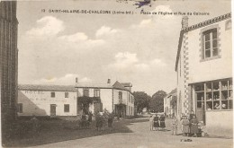 Cpa St Hilaire De Chaleons Place De L'eglise - Francia
