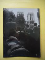 Photo Originale N&B Libération De Paris Devant Notre Dame 18 X 24 Cm - Guerre, Militaire