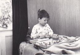 24452   Photo Enfant Belge Jouant Au Lego , Jeux - Mai 1964