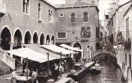 24461   Photo Venize Venezia Itale -Mai 1965 - Marché