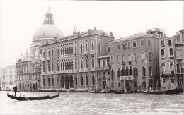 24474  Photo Venize Venezia Itale -Mai 1965 - Canal Gondole