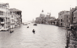 24476  Photo Venize Venezia Itale -Mai 1965 - Canal Gondole