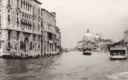 24479  Photo Venize Venezia Italie -Mai 1965 - Canal Bateau
