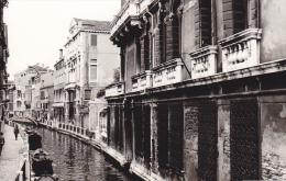 24483  Photo Venize Venezia Italie -Mai 1965 - Canal