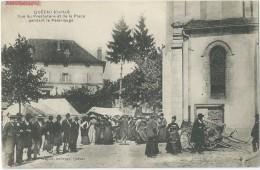 15 - QUEZAC - Vue Du Presbytère Et De La Place Pendant Le Pèlerinage TBE - Autres Communes