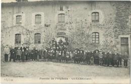15 - QUEZAC - Famille De L'Orphelin - TBE - Autres Communes