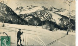 CPA 05  DANS LES ALPES EN SKIS  1910 - France