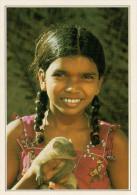 SRI LANKA   GIOVANE  RAGAZZA  CON  MANGUSTA             (NUOVA CON DESCRIZIONE DEL SITO SUL RETRO) - Sri Lanka (Ceylon)
