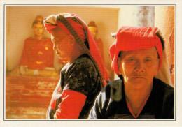 BIRMANIA-RANGOON:   DONNE  PADAUNG  IN  PREGHIERA         (NUOVA CON DESCRIZIONE DEL SITO SUL RETRO) - Myanmar (Burma)