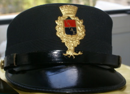 ITALIA - BERRETTO DA DONNA DEI VIGILI URBANI DI TARANTO, SIZE 54 - Casques & Coiffures