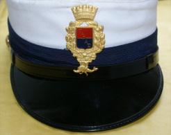 ITALIA - BERRETTO DA DONNA DEI VIGILI URBANI DI TARANTO, SIZE 54 - Cascos