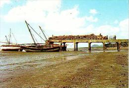 Fomboni     H1     Embarcadère De Fomboli.Mohéli - Comoros