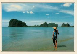 PHUKET.  LA  BAIA  DI  PHANG NGA    (NUOVA CON DESCRIZIONE DEL SITO SUL RETRO) - Tailandia