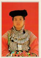 PAI:  RAGAZZA  LISU  IN  COSTUME  TRADIZIONALE      (NUOVA CON DESCRIZIONE DEL SITO SUL RETRO) - Tailandia