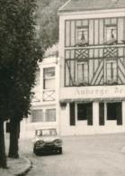 Ancienne Photo : Voiture Citroen Ami 6 Ou 8 Dans Village D'Ile-de-France, Auberge (2 Scans)