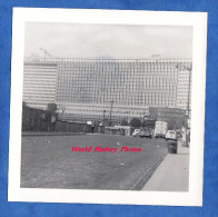 Photo Ancienne - PARIS ? - Bel Immeuble à Identifier - 1950 / 1960 - Pont Avec Automobile CITROEN 2CV - Cars