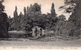 CPA  --  DPT 92  --  BOIS  DE  BOULOGNE  --  PARC  DU  CHATEAU  DE  BAGATELLE  --  LA  PIECE  D ´ EAU  --  N.D..... - Boulogne Billancourt