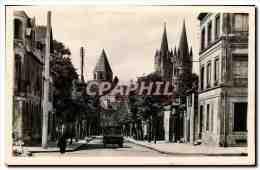 CPSM Caen L Abbaye Aux Hommes Vue De La Place St Martin - Caen