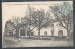 CPA 44 - La Bernerie, La Place Du Marché - Les Halles - La Bernerie-en-Retz